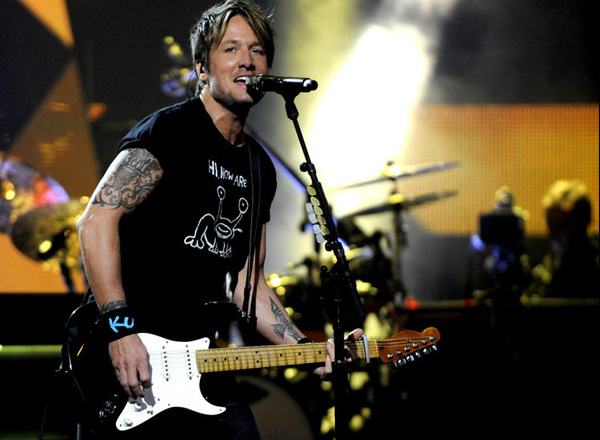 Keith Urban, Brett Eldredge & Maren Morris at Harveys Outdoor Arena
